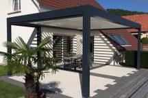 Pergola maison en aluminium gris anthracite - Côté Fenêtres